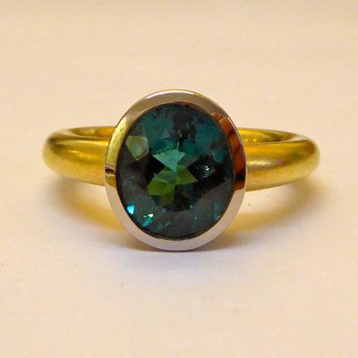 Ring mit Turmalin, Weissgold & Gelbgold 750