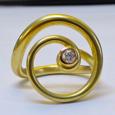 Ring mit Brilliant, Gelbgold 750