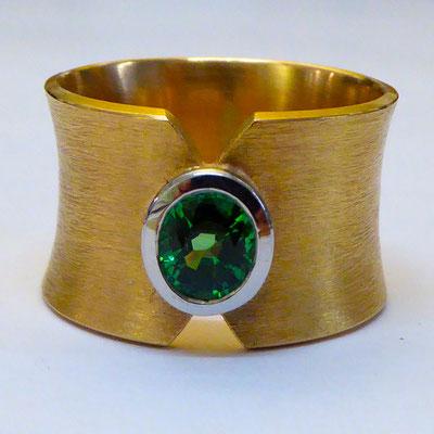 Ring mit grünem Granat, Weissgold & Rotgold 750
