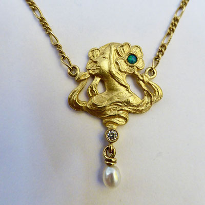 Kette mit Opal, Brilliant, Perle, Gelbgold 900 & 750