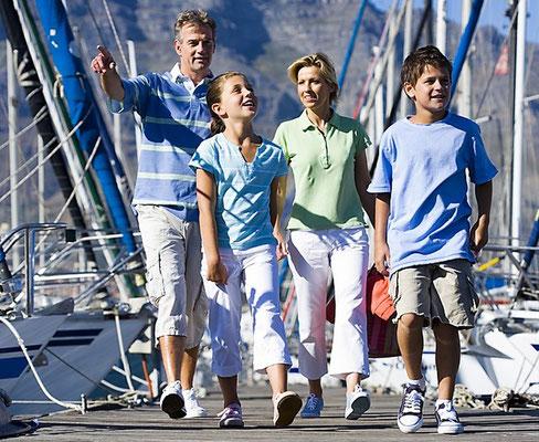 Mitsegeln Familie Athen