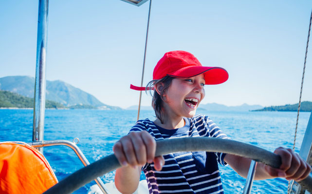 Familiensegelyacht Sardinien mit Skipper