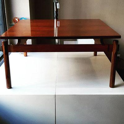 Tavolino in noce, modello 748 Ico & Luisa Parisi per Figli di Amedeo Cassina, 1960