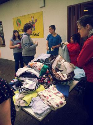 Spenden sammeln für Flüchtlinge