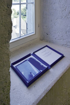 The one way up (5-seitiges Leporello). Das Buch als Gesamtkunstwerk. Salzhaus während der Brugger Literaturtage, Brugg, Schweiz, 2018
