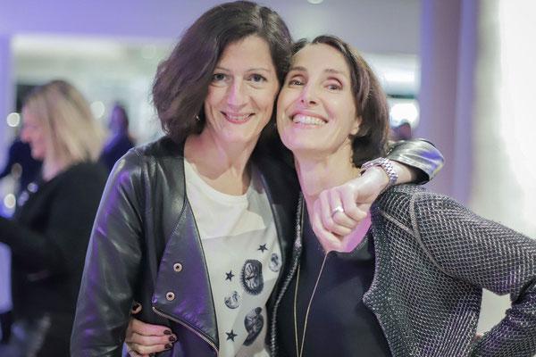 Gwenaëlle Devillers (Acta Events, Le Bar Ephémère) et Valérie Gaidoz (Galerie Gabel) pour l'Arty Show du Beachcomber, créé en collaboration (2018)