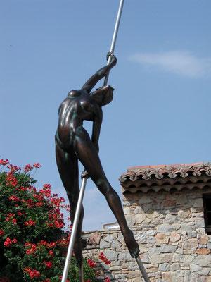 Nicolas Lavarenne- sculptures monumentales en bronze- femme bronze