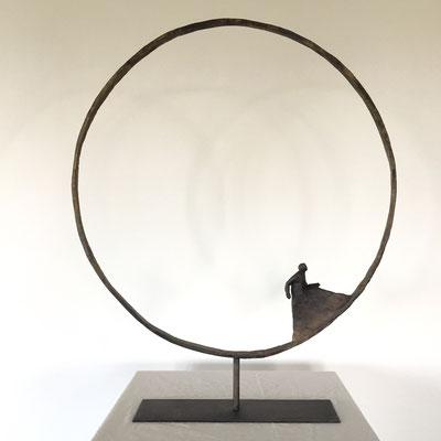 """Sophie Hustin """"J'y retourne""""  -petit format 75cm disponible à la galerie- renseignements et prix 0610814790- sculpture monumentale"""