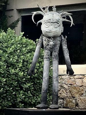 Tavana Rahi -Sculpture en bronze de George à Mougins- Doodle, grand modèle 160cm -Galerie Gabel  Biot