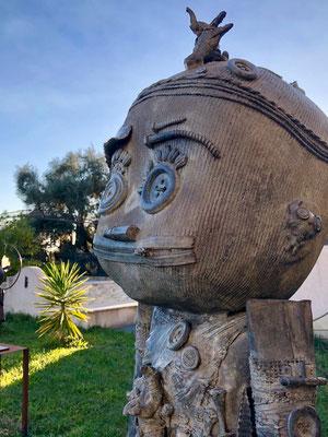 Tavana Rahi -Sculpture en bronze de George à La Colle sur Loup- Doodle, grand modèle 160cm -Galerie Gabel  Biot