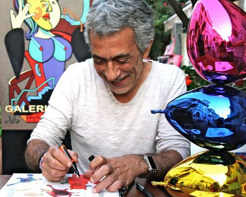 Philippe Berry lors de sa séance de dédicace à la Galerie Gabel