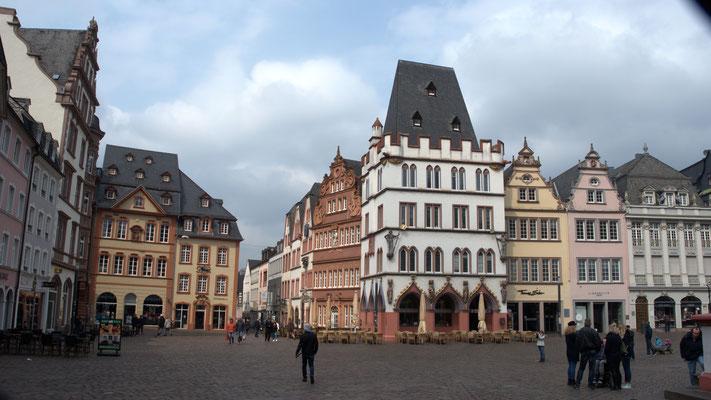 Mittelalterlicher Marktplatz.