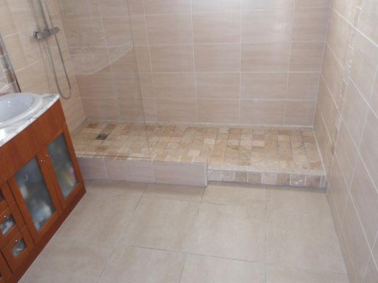 Salle de bain fa ences carreleur b ziers eric sanjuan for Grande douche a l italienne