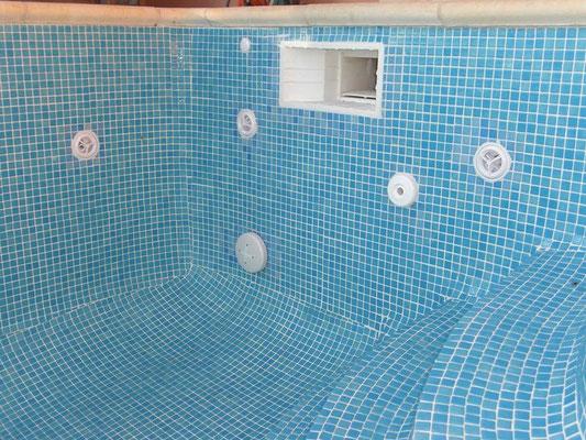 Carrelage ext rieur et piscines carreleur b ziers eric - Pate de verre piscine ...