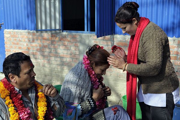 Wie immer in Nepal werden wir feierlich begrüsst
