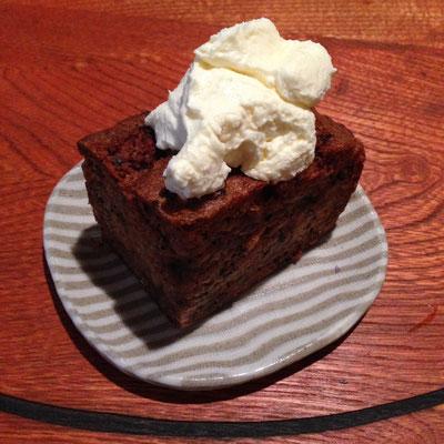木内愛さんに教えてもらった、坂田焼菓子店。SOAの近く。キャロットケーキを食べたよ。とても美味しいです。