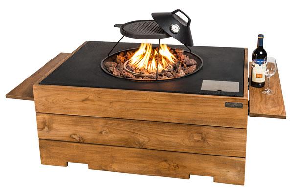 exklusives-Wohnen-draussen-Feuerstelle-mit-Gas