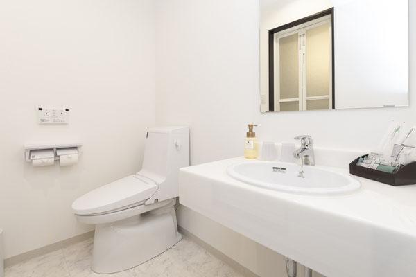 バスルームも清潔で綺麗です