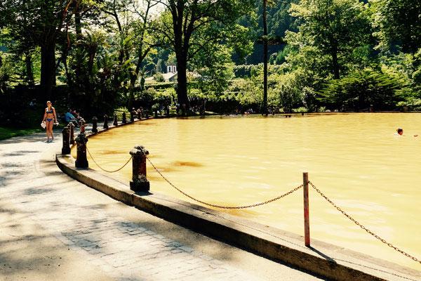 Heiße Quelle: Thermalbad im Terra Nostra Park, Sao Miguel, Azoren