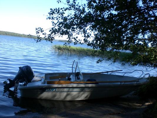 Nach Ihren vielen Erlebnissen oder Ihrer Auszeit zu zweit am Sandstrand starten Sie Ihr Boot für die Heimreise oder Weiterfahrt.