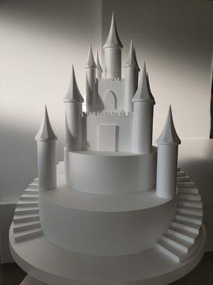 Castello per il settore Cake Design. È possibile realizzare il castello in diverse altezze, per saperne di più contattare l'assistenza.