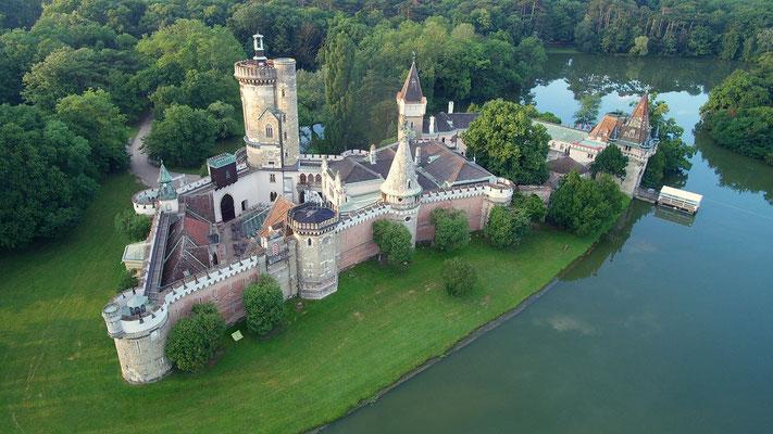 Laxenburg, Wasserschloss aus der Luft