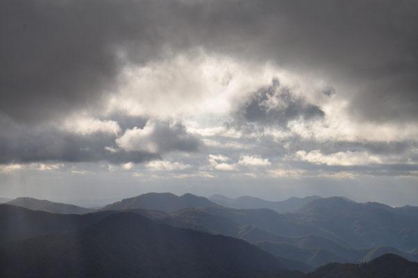朝、山頂にて5