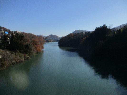 同じく弁天橋より 南方面を見ます
