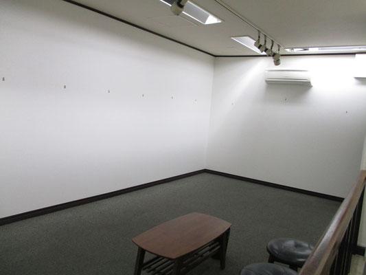 作品が消えた二階会場