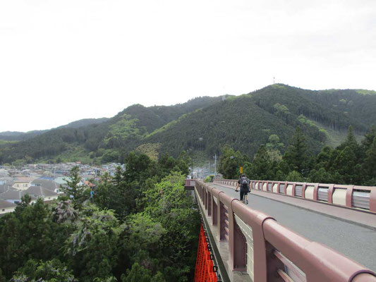 帰路に渡った奥多摩橋 足がすくむような高度感がありました
