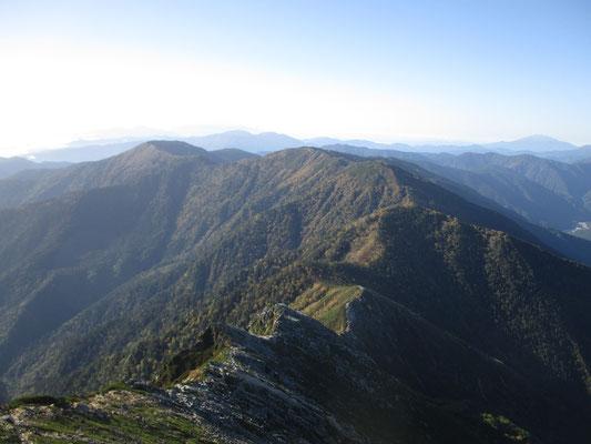 蝶ヶ岳方面への縦走路