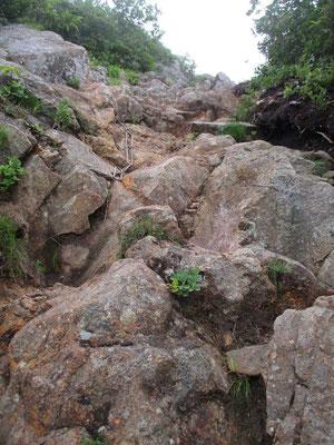 剣ヶ峰の鎖場