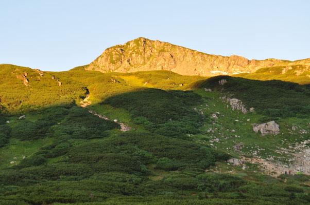 モルゲンロートの三俣蓮華岳山頂部