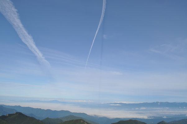 大空との共演 恵那山方面