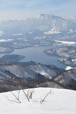 大明神から野尻湖と黒姫山