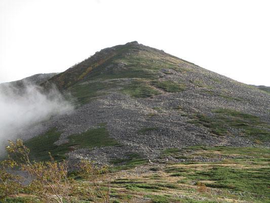 反対側が常念岳の方 山肌を覆うモレーン(岩の堆積)がものすごい!