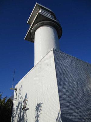 帰りに立ち寄った須崎半島の恵比須島 そこにもひっそりと今でも下田沖の水路を照らし行き交う船を導いている「須崎恵比須島指向灯」がありました