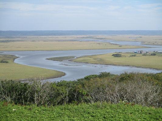 前日は真っ白で何も見えなかった琵琶瀬展望台 ここが湿原を見下ろせる展望台として有名