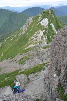 下山に入ります 上から見下ろすとすごい高度感です