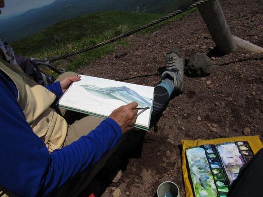 昔、岩手山の山頂からこの秋田駒方面を描いたことがある 今回はその反対