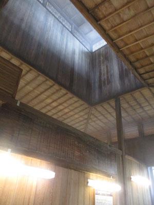 湯気が自然と抜ける天井