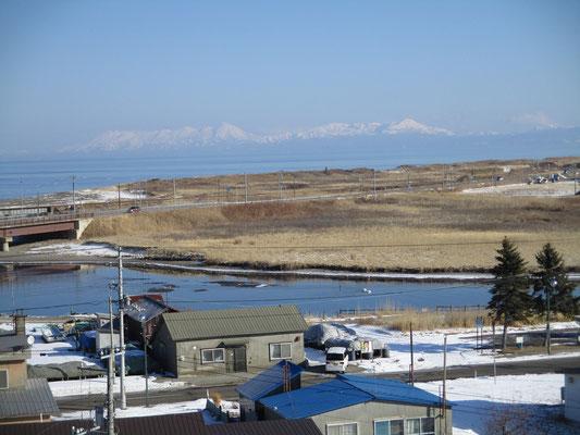 そこからオホーツクの方を見る 知床連山もきれいに見える