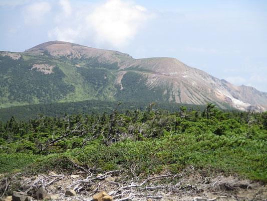 山頂からの一切経山