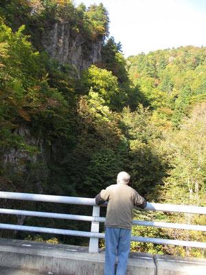 加無山一番の展望地の橋を教えてくれた「佐藤酒店」の先代ご主人