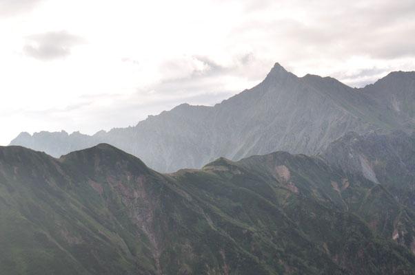 谷から回り込むと一気に槍ヶ岳が見えた