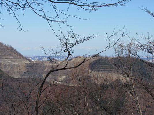 山がなくなっている姿 以前は見えなかった向こう側が見えるようになっています