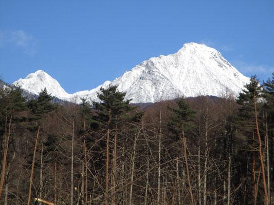 それにしても美しい 左は阿弥陀岳の頭