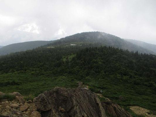 山頂から望む蛍池と片藤沼