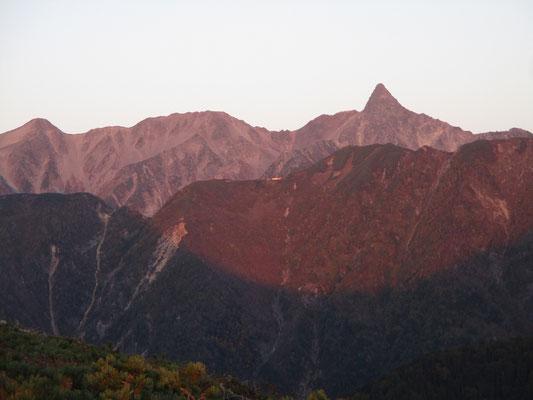 モルゲンロートの槍ヶ岳