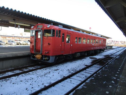 釧路駅に戻ると、国鉄色の車両が停まっていた